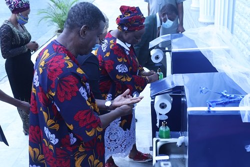 Pastor Adeboye Unveils Redeemers College Made Hand-washing Machine