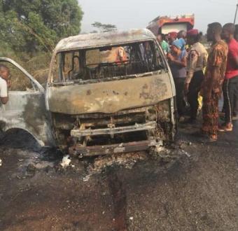 PHOTOS : 8 People Burnt To Death Along Lagos-Ibadan Expressway